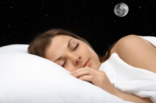 Ученые не подтверждают влияния фаз луны на сон