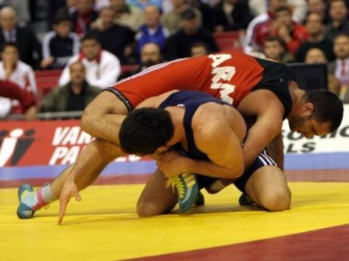 Чемпионат России по вольной борьбе пройдет в Якутске