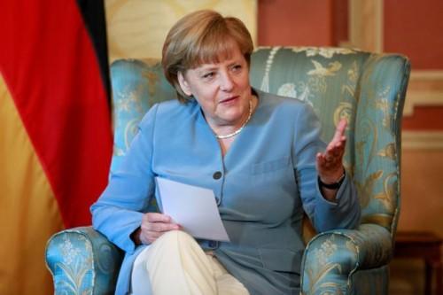 """Вчерашний друг Путина Ангела Меркель просит Францию не продавать России """"Мистрали"""""""