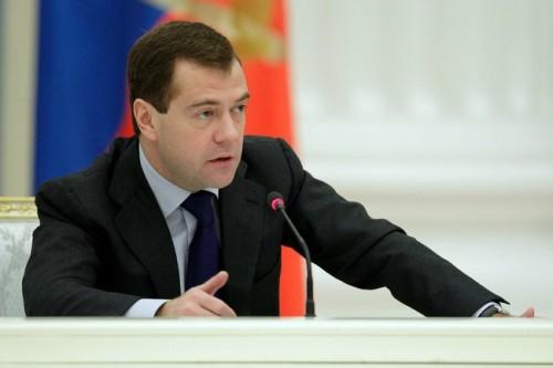 Дмитрий Медведев дал поручение сравнить эффективность государственных и частных вузов
