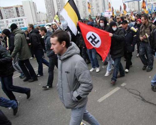 Вместе с царским флагом депутат от ЛДПР предлагает ввести и царские порядки