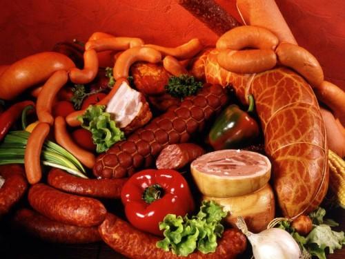 Петербуржцы будут есть колбасу с вирусом чумы