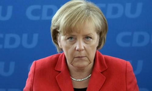 Меркель призвала Евросоюз срочно усилить санкции против России