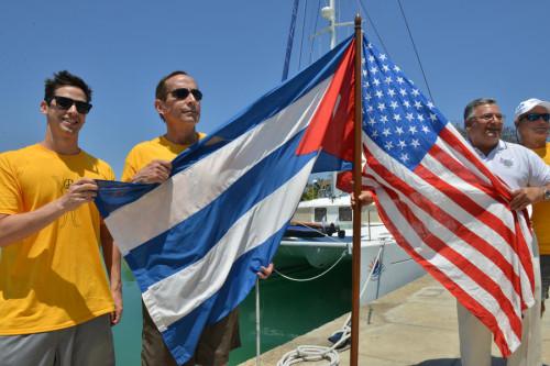 США на Кубе вели борьбу против СПИДа и шпионили