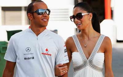 Льюис Хэмилтон одержал уверенную победу в новом сезоне Формулы-1