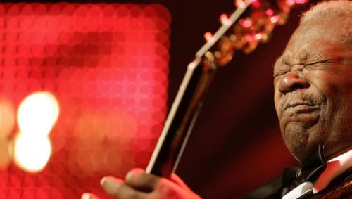 Дочери музыканта Пэтти Кинг и Карен Уильямс утверждают, что Би Би Кинга отравили