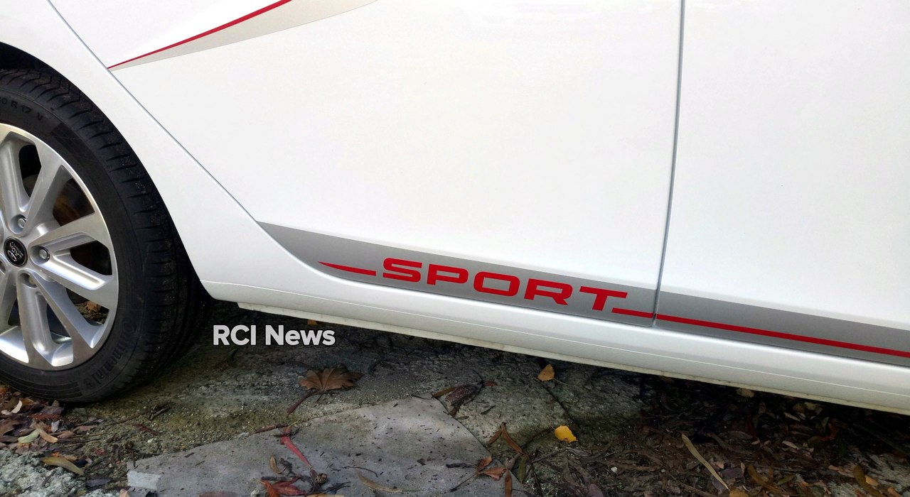 «АвтоВАЗ» случайно «слил» натестах дизайн Лада Vesta Sport