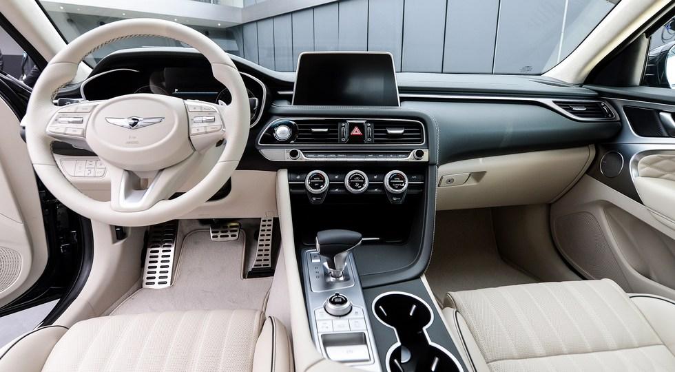 Неменее 900 машин воплотил бренд Genesis в Российской Федерации