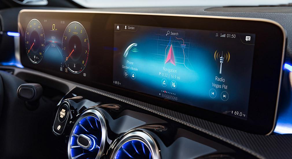 Хэтчбек Mercedes A-Class обновленного поколения представлен официально